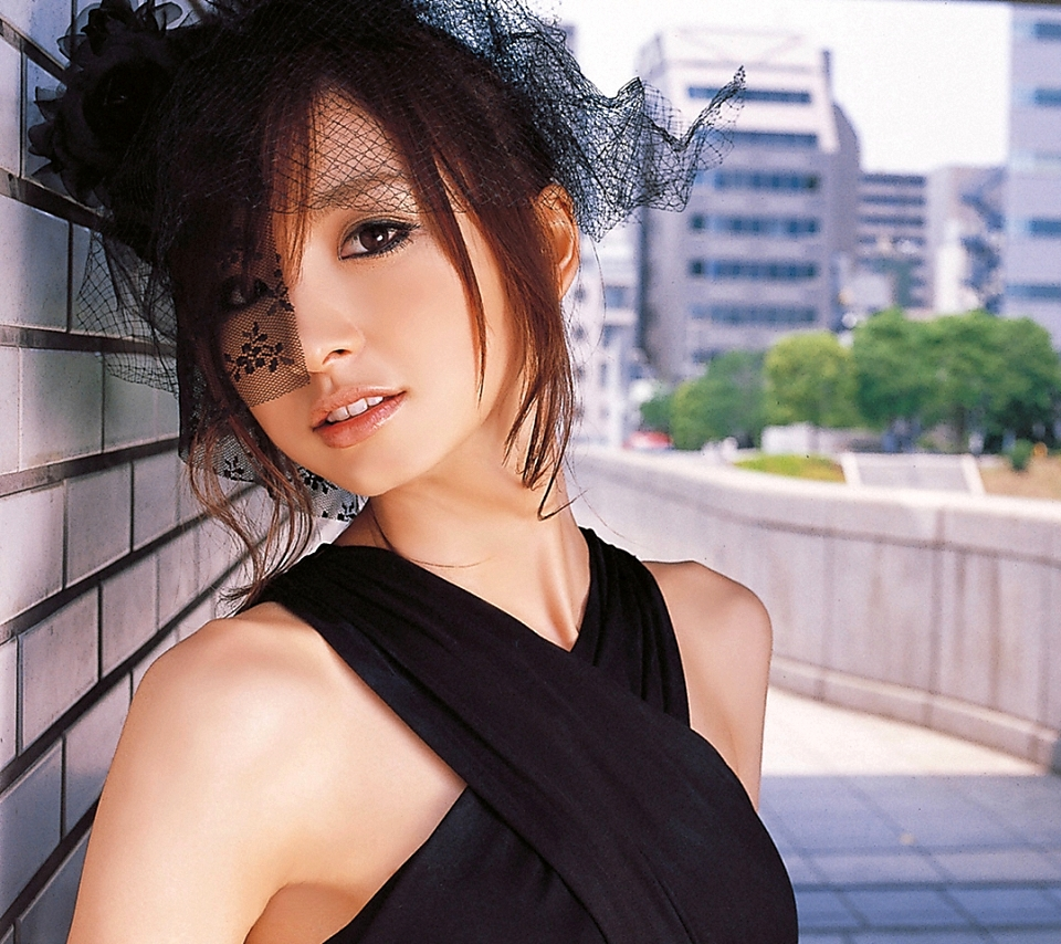 美しすぎる篠田麻里子